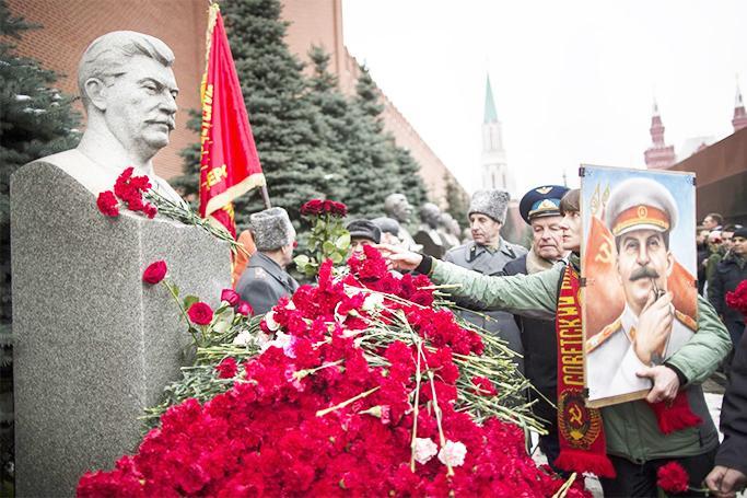 Rusiyada stalinizm canlanır