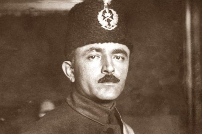 """""""Azərbaycan xalqının qəlbini fəth edən müzəffər komandan"""""""